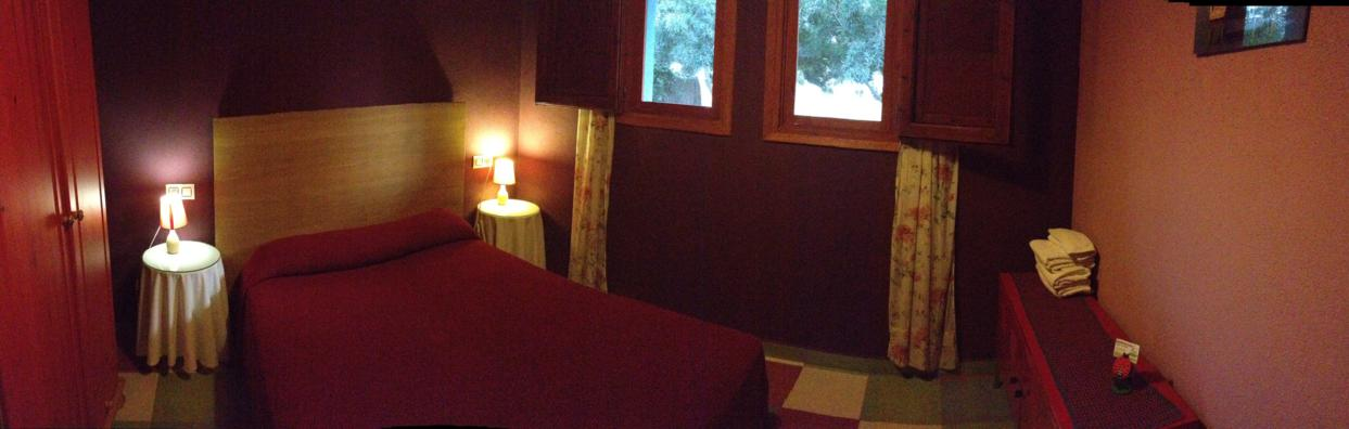 Un allotjament rural amb quatre habitacions, totes amb bany